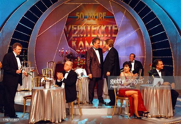 """Chris Howland, Fritz Egner, Frank Elstner,;Paola Felix mit Ehemann Kurt Felix,;ZDF-Show """"50 Jahre Versteckte Kamera"""","""