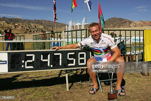 Chris Hoy of Great Britain celebrates breaking the World 500 Metre Altitude Record at the Alto Irpavi Velodrome May 13 2007 in La Paz Bolivia