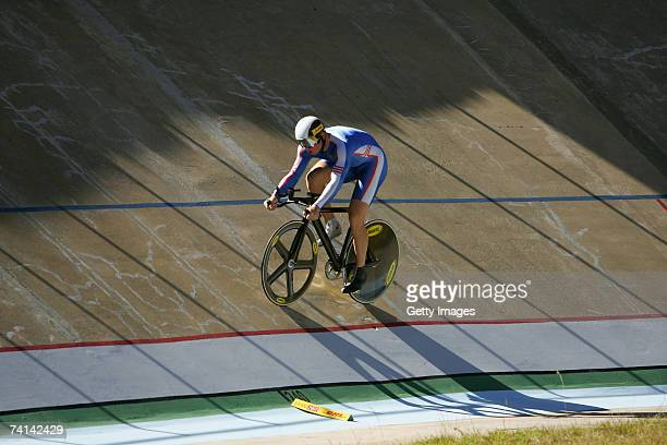 Chris Hoy of Great Britain on a warm up lap prior to breaking the World 500 Metre Altitude Record at the Alto Irpavi Velodrome May 13 2007 in La Paz...
