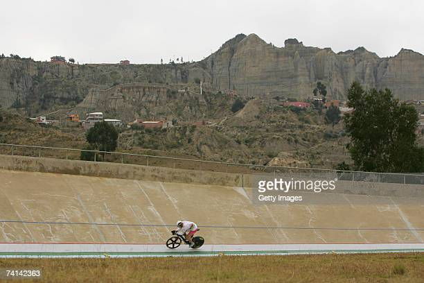 Chris Hoy of Great Britain on his third lap during his failed attempt to break the World 1 Kilometre Altitude Record at the Alto Irpavi Velodrome May...