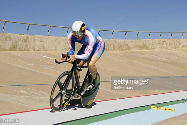 Chris Hoy of Great Britain on his way to breaking the World 500 Metre Altitude Record at the Alto Irpavi Velodrome, May 13, 2007 in La Paz, Bolivia.