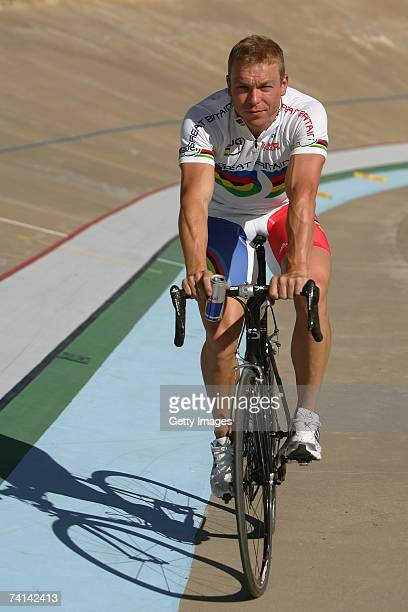 Chris Hoy of Great Britain with a can of Red Bull after breaking the World 500 Metre Altitude Record at the Alto Irpavi Velodrome May 13 2007 in La...