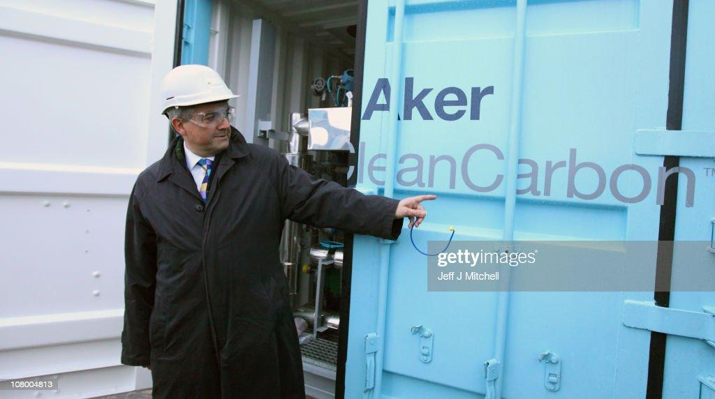 Energy Secretary Chris Huhne Visit To Longannet Power Station