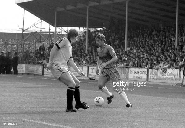 Chris Hutchings of Chelsea runs with the ball during the Football League Division Two match between Cambridge United and Chelsea held on August 28...