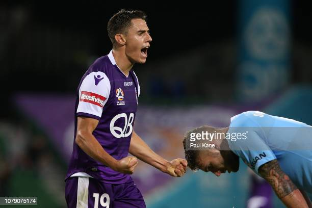 Chris Ikonomidis of the Glory celebrates winning the round seven ALeague match between the Perth Glory and Melbourne City at nib Stadium on December...