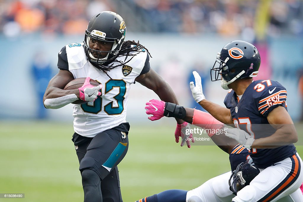 Chris Ivory #33 of the Jacksonville Jaguars runs the ball against the Chicago Bears in the first quarter of the game at Soldier Field on October 16, 2016 in Chicago, Illinois.