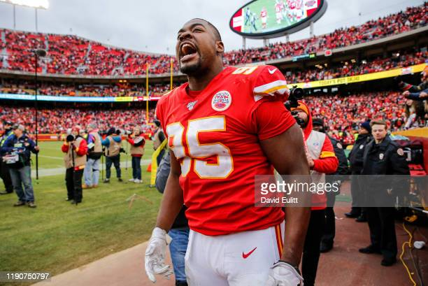 Chris Jones of the Kansas City Chiefs celebrated following the news that the Chiefs ended with the No 2 seed in the AFC following the 3121 win over...