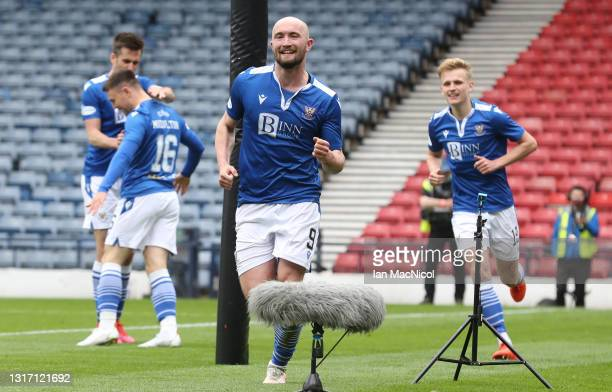 Chris Kane of St Johnstone celebrates scoring the opening goal during the William Hill Scottish Cup match between St Mirren and St Johnstone at...