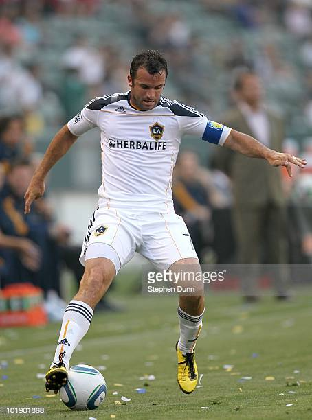 Chris Klein of the Los Angeles Galaxy controls the ball against the Houston Dynamo on June 5 2010 at the Home Depot Center in Carson California The...