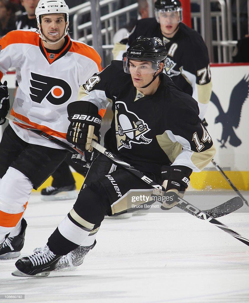 Chris Kunitz #14 of the Pittsburgh Penguins skates against the Philadelphia Flyers at the Consol Energy Center on October 7, 2010 in Pittsburgh, Pennsylvania.