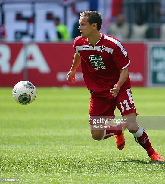 Chris Loewe of Kaiserslautern controles the ball during the Second Bundesliga match between 1 FC Kaiserslautern and VfL Bochum at FritzWalterStadion...