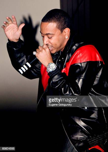 "Chris ""Ludacris"" Bridges performs at the Highline Ballroom on November 25, 2008 in New York City."
