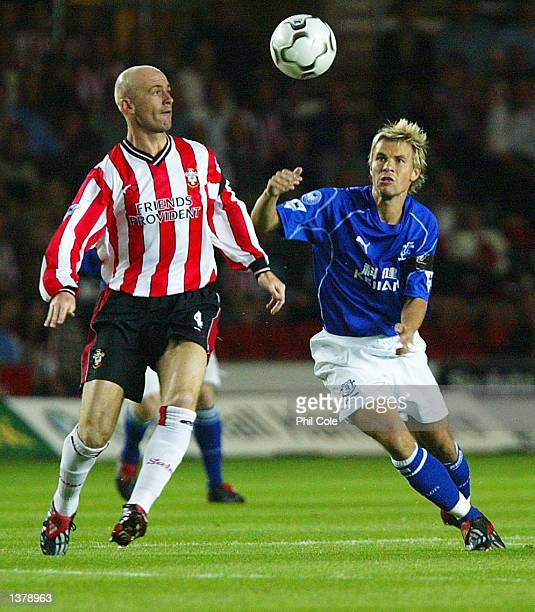 Chris Marsden of Southampton challenges Niclas Alexandersson of Everton during the FA Barclaycard Premiership match between Southampton and Everton...