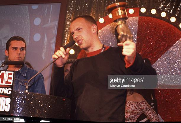 Chris Martin and Guy Berryman of Coldplay at the NME Awards United Kingdom 2001