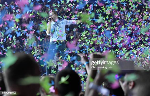 Chris Martin from Coldplay performs during the Global Citizen Festival at the Barclaycard Arena on July 6 2017 in Hamburg Germany