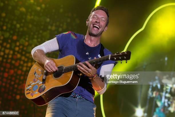 Chris Martin of Coldplay performs during the 'A Head Full Of Dreams' Tour at Ciudad de La Plata Stadium on November 14 2017 in La Plata Argentina