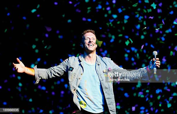 Chris Martin of Coldplay performs for fans on November 10, 2012 in Auckland, New Zealand.