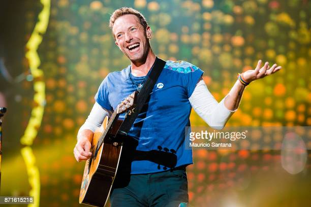 Chris Martin of Coldplay performs live on stage at Allianz Parque on November 7 2017 in Sao Paulo Brazil