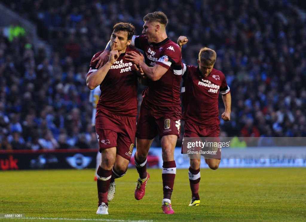 Chris Martin of Derby County (L) celebrates scoring from the penalty spot with Jeff Hendrick during the Sky Bet Championship Play Off semi final first leg match between Brighton & Hove Albion and Derby County at Amex Stadium on May 8, 2014 in Brighton, England.