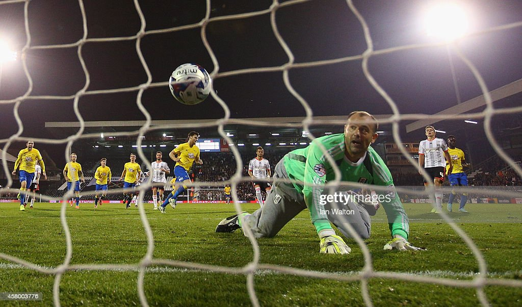 Chris Martin of Derby County scores a penalty during the Capital One Cup, Fourth Round match between Fulham and Derby County at Craven Cottage on October 28, 2014 in London, England.