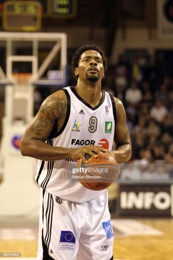 Chris Massie - 22.10.2010 - Limoges / Pau Lacq Orthez - 3eme journee de ProA - : News Photo