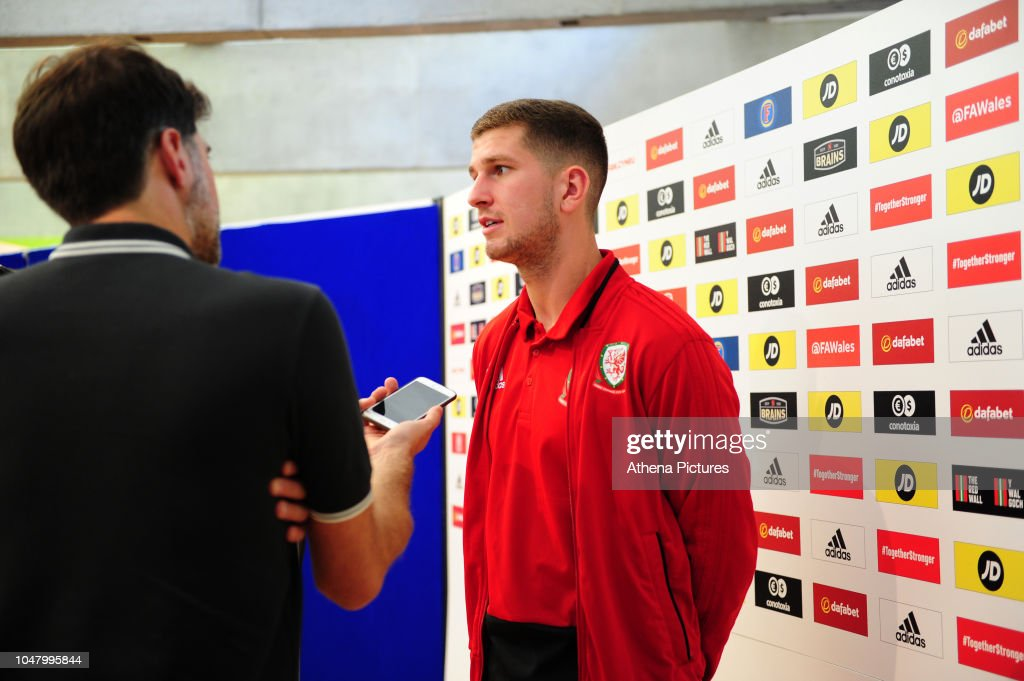 Wales Press Confrence : News Photo