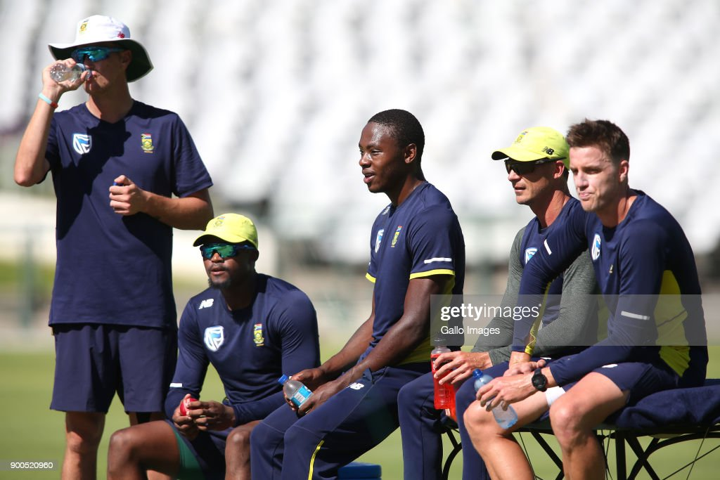 2018 SA v India: South African national cricket team training session : News Photo