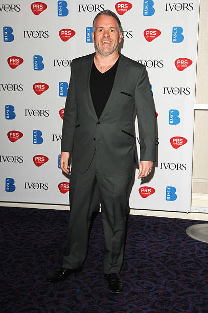 """Novello Presents Its New Bathroom Furniture Collection: Chris Moyles Joins The Cast Of Matthew Perry's """"The End Of"""