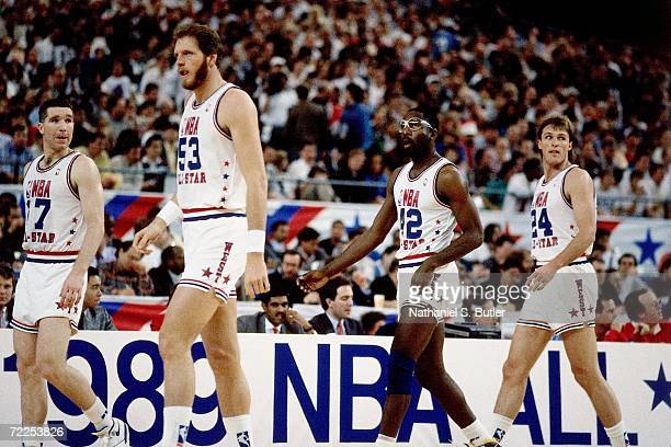 Chris Mullin Mark Eaton James Worthy and Tom Chambers of the Western Conference AllStars take the court with his teammates during the 1989 NBA...