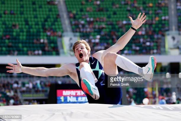 Chris Nilsen celebrates in the Men's Pole Vault Final during day four of the 2020 U.S. Olympic Track & Field Team Trials at Hayward Field on June 21,...