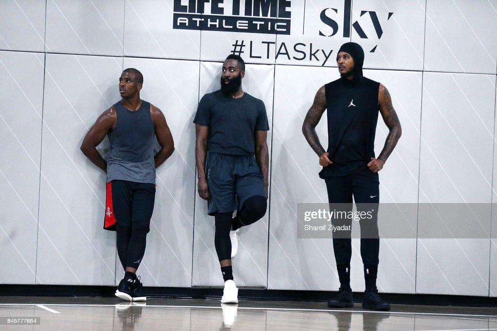 Black Ops Basketball Session : News Photo