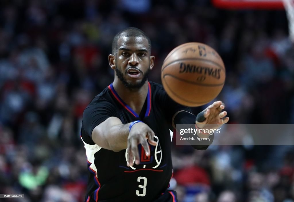 Chris Paul (3) of Los Angeles Clippers in action during the NBA match between Chicago Bulls and Los Angeles Clippers at the United Center in Chicago, Illinois, United States on March 05, 2017.