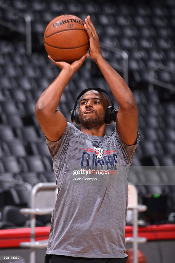 Chris Paul #3 of the LA Clippers warms up before the game against the Detroit Pistons on November 7, 2016 at the STAPLES Center in Los Angeles, California.