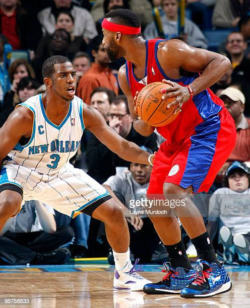 Chris Paul of the New Orleans Hornets guards Baron Davis of the Los Angeles Clippers on January 13 2010 at the New Orleans Arena in New Orleans...