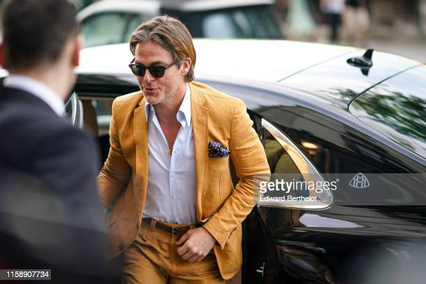 Chris Pine arrives at Laperouse restaurant where a prewedding dinner for Zoe Kravitz and Karl Glusma is to be held on June 28 2019 in Paris France