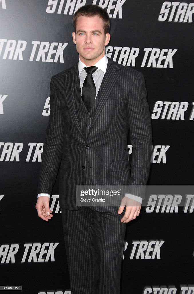 Chris Pine arrives at the Los Angeles premiere of 'Star Trek' at the Grauman's Chinese Theater on April 30, 2009 in Hollywood, California.