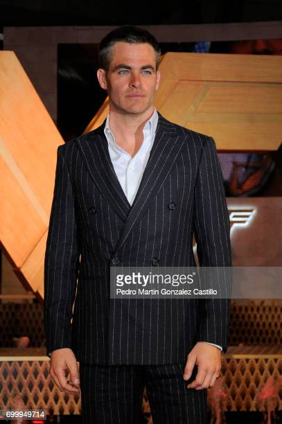 Chris Pine poses during the red carpet of 'Wonder Woman' at Parque Premier Toreo on May 27 2017 in Mexico City Mexico
