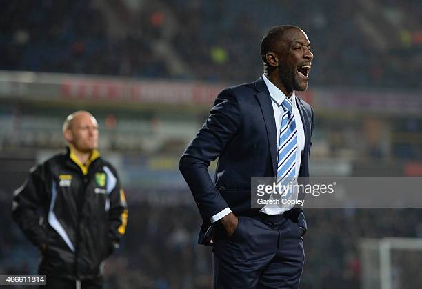 Chris Powell manager of Huddersfield Town shouts as Alex Neil manager of Norwich City looks on during the Sky Bet Championship between Huddersfield...