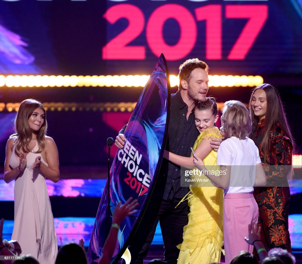 Chris Pratt accepts Choice Sci-Fi Movie Actor for 'Guardians of the Galaxy Vol. 2' with Millie Bobby Brown, Maddie Ziegler and Grace VanderWaal onstage during the Teen Choice Awards 2017 at Galen Center on August 13, 2017 in Los Angeles, California.