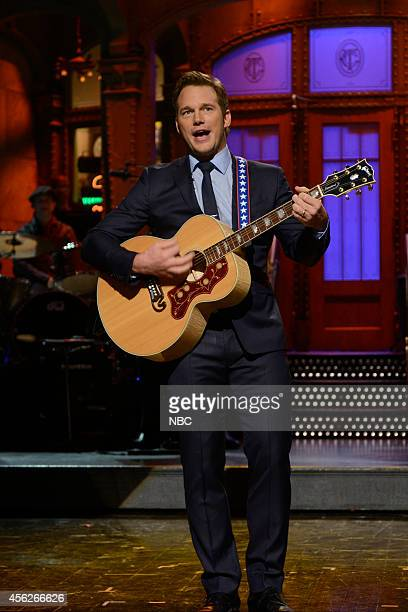 LIVE Chris Pratt Episode 1663 Pictured Actor Chris Pratt sings during the opening monologue on September 27 2014