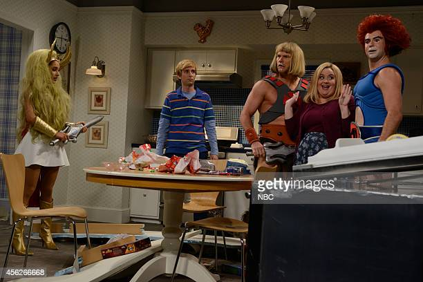 LIVE 'Chris Pratt' Episode 1663 Pictured Ariana Grande as SheRa Kyle Mooney Chris Pratt as HeMan Aidy Bryant and Taran Killam as LionO during the...