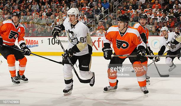 Chris Pronger Matt Carle and Mike Richards of the Philadelphia Flyers defend against Sidney Crosby and Tyler Kennedy of the Pittsburgh Penguins on...