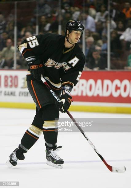 Chris Pronger of the Anaheim Ducks skates during a preseason game against the San Jose Sharks at the Arrowhead Pond of Anaheim on September 20, 2006...
