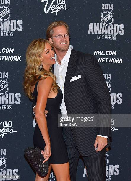 Chris Pronger of the Philadelphia Flyers and his wife Lauren Pronger arrive on the red carpet prior to the 2014 NHL Awards at Encore Las Vegas on...