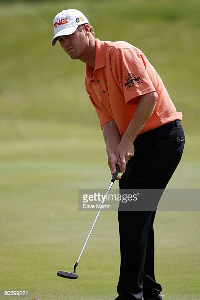 Chris Riley watches his putt on the 10th hole during the first round of the 2008 Chitimacha Louisiana Open at the Le Triomphe Country Club March 27...