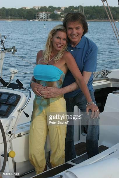 Chris Roberts, Ehefrau Claudia Roberts, Urlaub, Puerto Colom/Mallorca/Spanien, , Boot, Motorboot, Meer, Balearen, Sänger, Sängerin, Ehemann, Familie,...