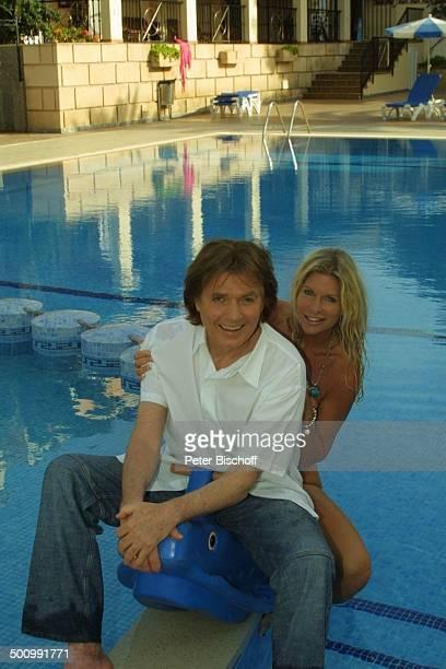 Chris Roberts, Ehefrau Claudia Roberts, Urlaub, Puerto Colom/Mallorca/Spanien, , Balearen, Appartment, Pool, Sänger, Sängerin, Ehemann, Familie,...