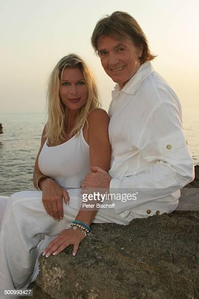 Chris Roberts, Ehefrau Claudia Roberts, Urlaub, Strand Es Trenc/Mallorca/Spanien, , Balearen, Küste, Meer, Mittelmeer, Klippen, Sänger, Sängerin,...
