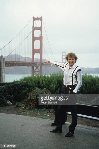 Chris Roberts Urlaub San Francisco Kalifornien Nordamerika Amerika USA 'Golden Gate Bridge' Brücke Hängebrücke deuten zeigen SchlagerSänger SP/NB