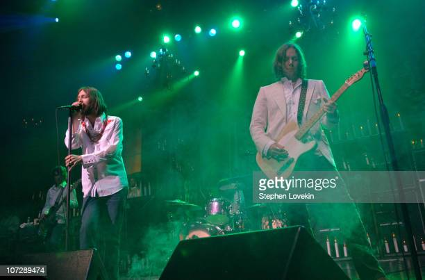 Chris Robinson and Rich Robinson during Black Crowes' Easter Sunday Concert at New York City's Hammerstein Ballroom - March 27, 2005 at Hammerstein...